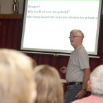 Presentatie voor HartVeilig wonen in de Oude Leede in Pijnacker