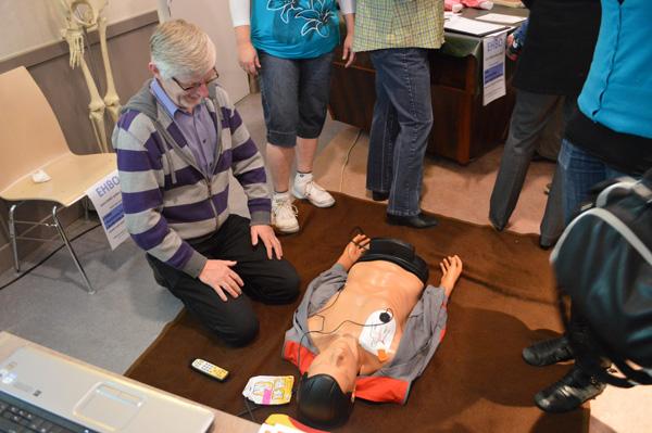 Reanimatie training tijdens Lady's Day in Den Hoorn